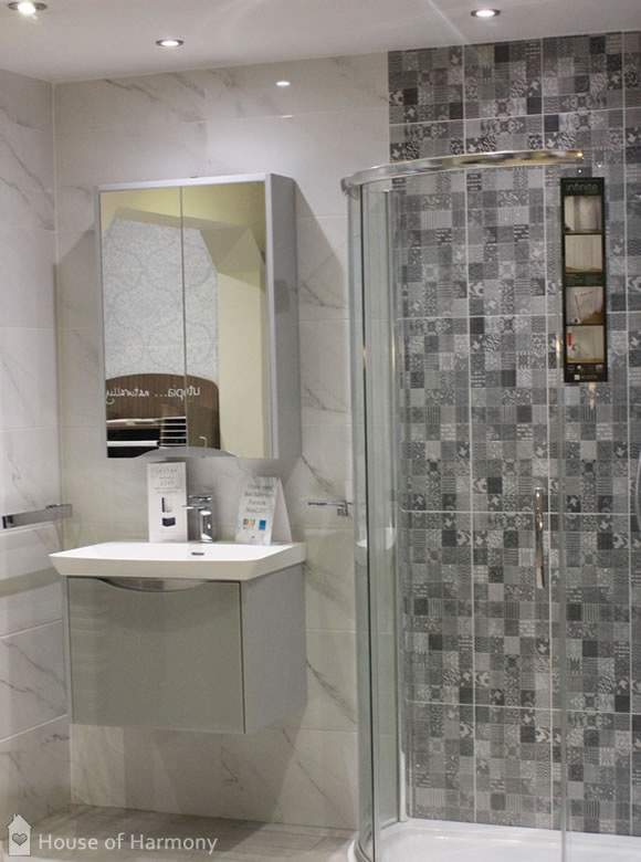 House of Harmony Bathroom Showroom - shower display